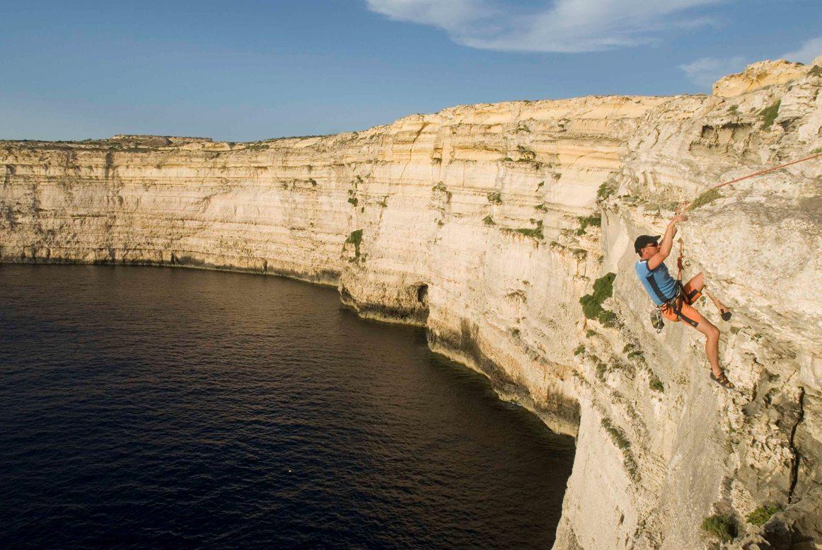Malta'da Şirket Kurmak: Avantajları, Oturma İzni Almaya Katkısı