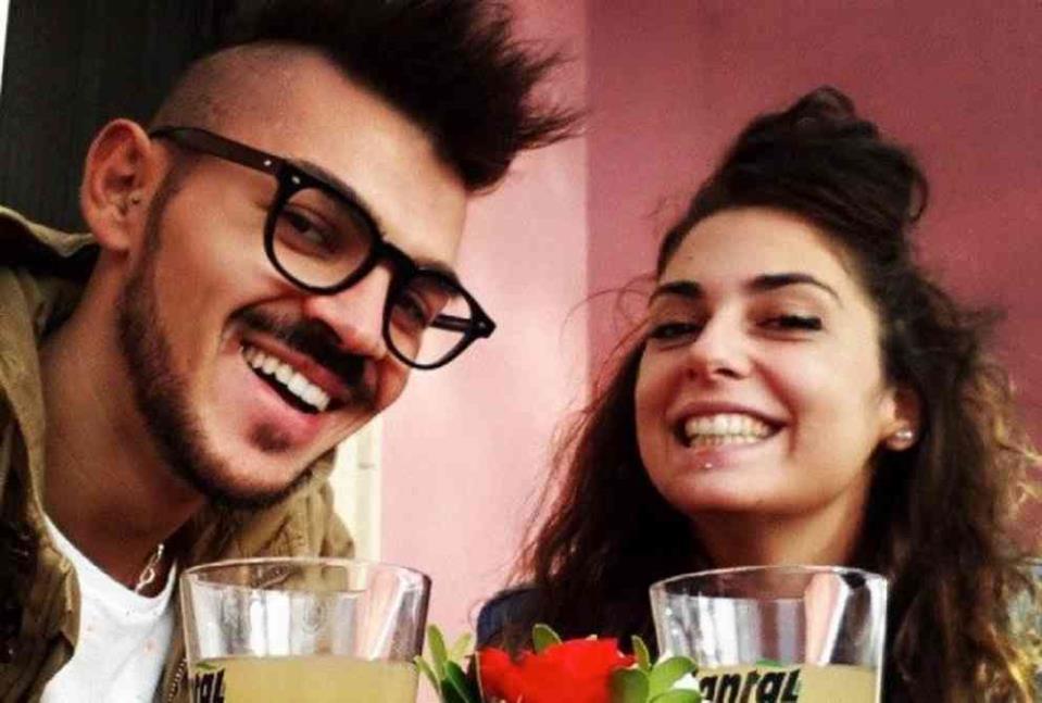 Uçağın Önünü Kesen İtalyan Çift