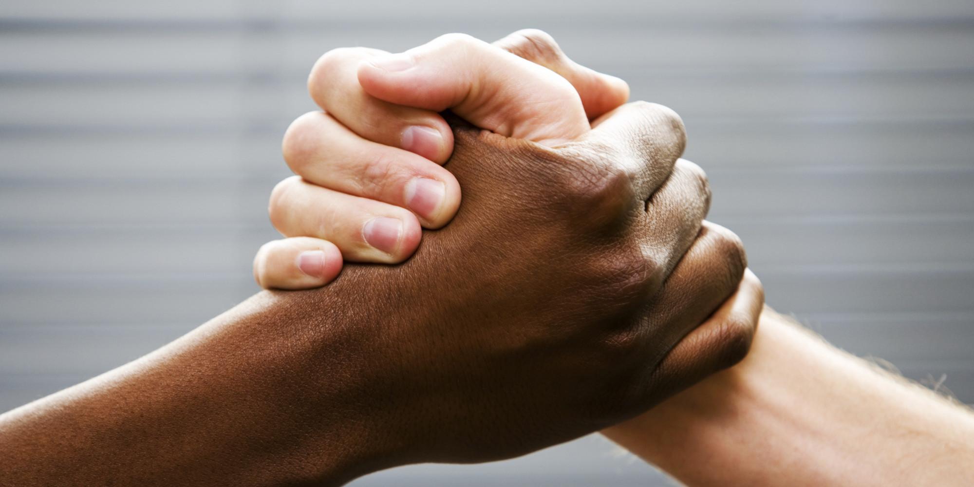 Irkçılık Hastalığı: Maltalılar Irkçı Mı?