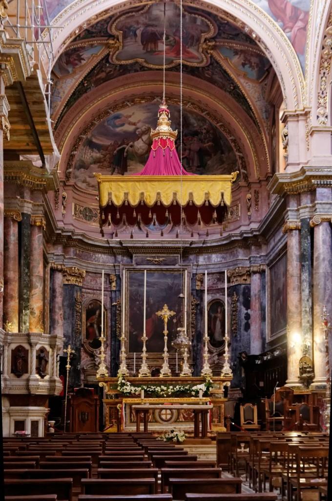 Main_altar_St_Paul's_Shipwreck_Valletta